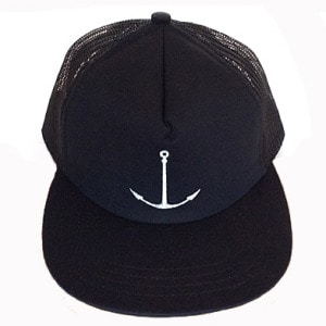 wood-anchor-trucker-hat